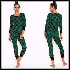 Victoria's Secret Thermal Pajamas Green & Black
